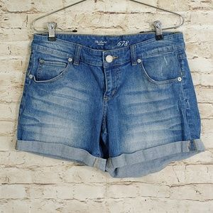 THE LIMITED SLIGHT DISTRESSED ROLLED SHORTS SZ 6